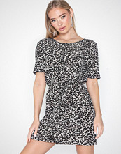 Only Onlwinner Ss Dress Noos Wvn