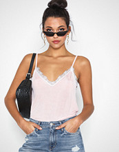 NLY Trend Lace Slip Top