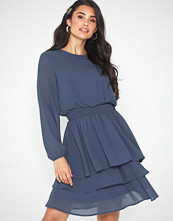 Sisters Point Nicoline LS Dress