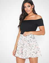 NLY One Flowy Print Shorts