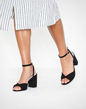 NLY Shoes Twist Heel Sandal Svart