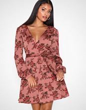 Glamorous V Neck Long Sleeve Dress