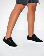 Duffy Platform Frill Sneaker