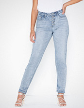 Missguided Riot Fly Button Mom Jeans