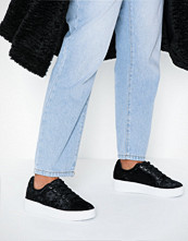 Duffy Platform Velvet Sneaker