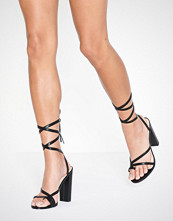 NLY Shoes Adorable Strap Block Heel