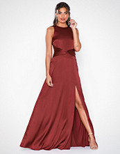 NLY Eve Sportscut Satin Gown