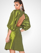 NLY Eve Volume Maxi Dress