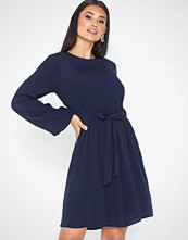 NLY Trend Perfect Belted Dress Mørk blå