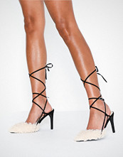 NLY Shoes Contrast Fuzzy Pump