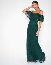 NLY Eve Dream Off Shoulder Lace Gown Grønn