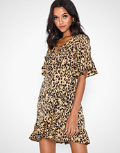 Ax Paris V Neck Leopard Dress