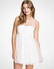 Club L Hvit Sweetheart Mesh Sequin Prom Dress