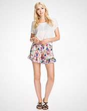 NLY Trend Blomstrete Chiffon Frill Shorts