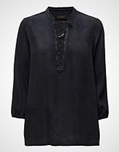 Maison Scotch Drapy Woven Top With Lace Closure.
