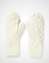 MJM Mitten Cable Knit