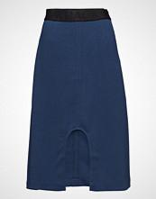 BACK U-Split Logo Skirt