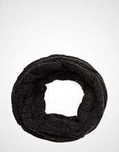 UNMADE Copenhagen Cable Knit Snood