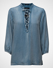 Scotch & Soda Drapy Woven Top With Lace Closure.