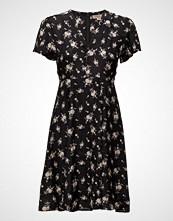 by Ti Mo Dresses V-Dress