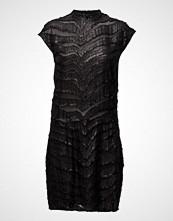 Second Female Blao Dress