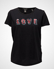 Maison Scotch Crew Neck Clubhouse Tee With Special Emb