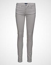 Gant O2. Slim Micro Star Satin Jean