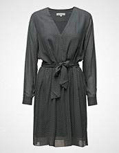 Second Female Story Dress