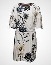 Saint Tropez Daisy Printed Dress W. Knot