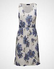 Gant O1. Island Flower Pleated Dress
