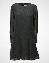 Second Female Cascha Dress
