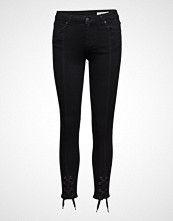 2nd One Nicole 002 Tie, Satin Black, Jeans