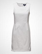 Gant O1. Sleeveless Satin Stretch Dress