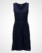 Gant O1. Pleated Dress