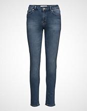 Mango Slim-Fit London Jeans