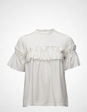 by Ti Mo Ruffles T-Shirt