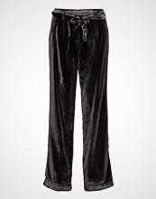 Second Female Valino Pants