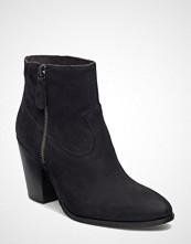 Stylesnob Evian Boot