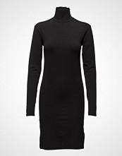 BACK Slit Dress