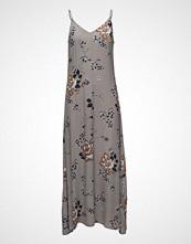 Saint Tropez Flower Printed Maxi Dress