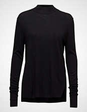 Second Female Kille Knit T-Neck