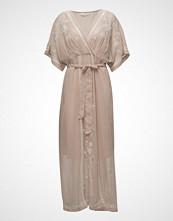 Cream Krate Dress