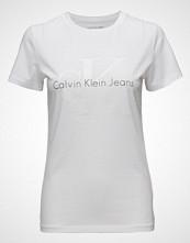 Calvin Klein Tanya-9 True Icon Cn