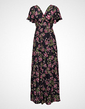by Ti Mo D Short Sleeve Gown