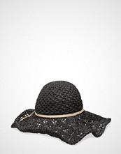 UNMADE Copenhagen Crochet Hat