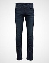 Calvin Klein Slim Straight - True