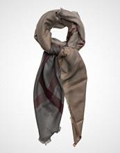 Barbour Winter Dress Tartan Square