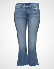 Violeta by Mango Flare Crop Jandri Jeans