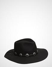 Odd Molly Up North Hat