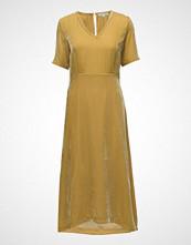 Second Female Muja Dress